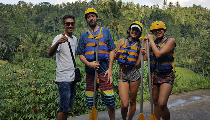 alam-rafting-with-traveller