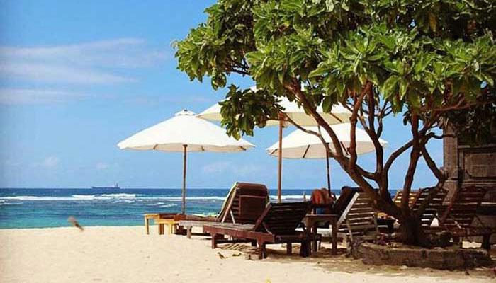 mengiat beach