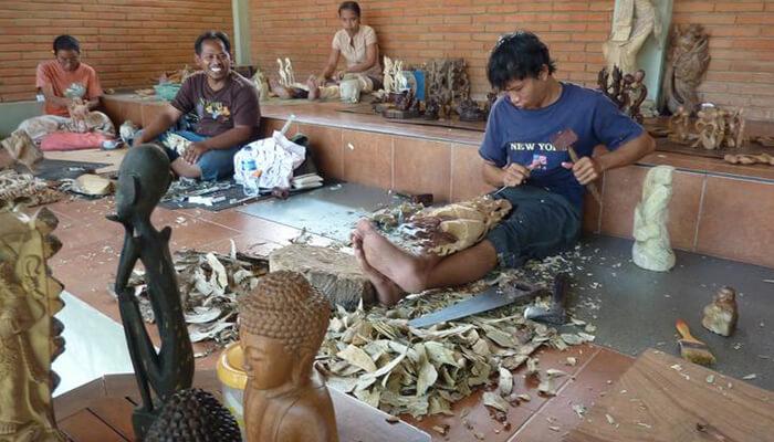 Ubud-Mas-Village-Wood-Carving