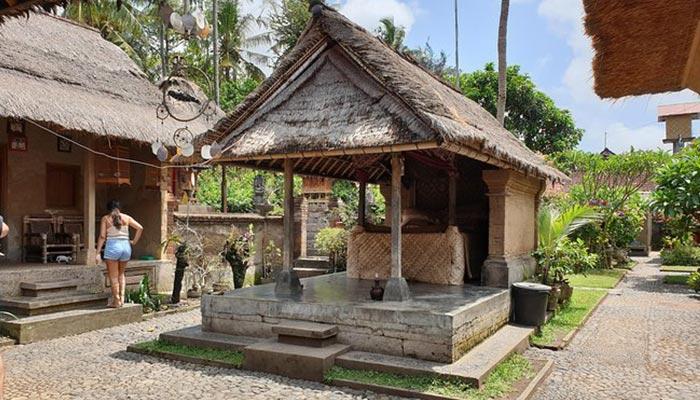 traditional-house-compound-batuan